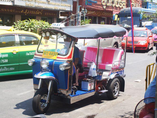 Die kosten Tuk Tuk fahren in Thailand